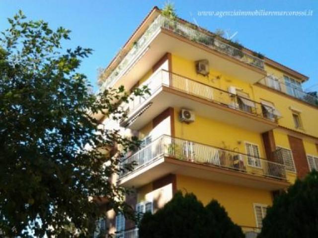 Appartamento in Vendita a Roma via Dei Veralli 26 Bravetta