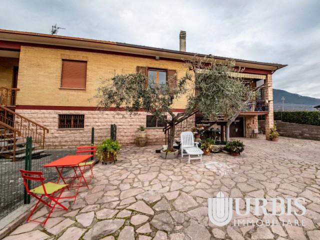 villa in ad assisi foto1-101805895