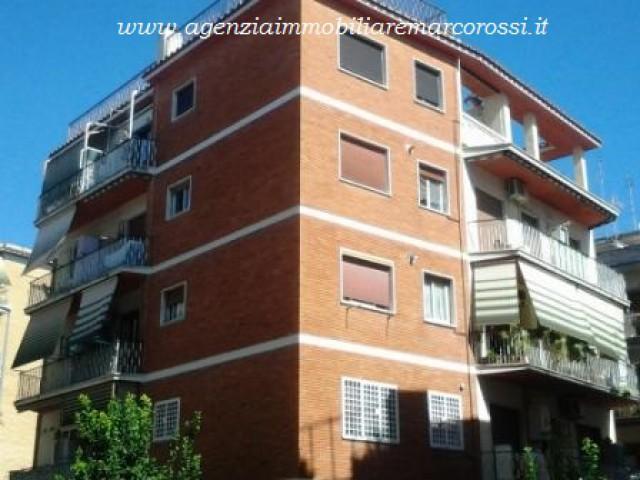 Appartamento in Vendita a Roma via Dei Bichi 19 Bravetta
