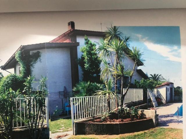 villa bs da ristrutturare con giardino indipendente foto1-103011405