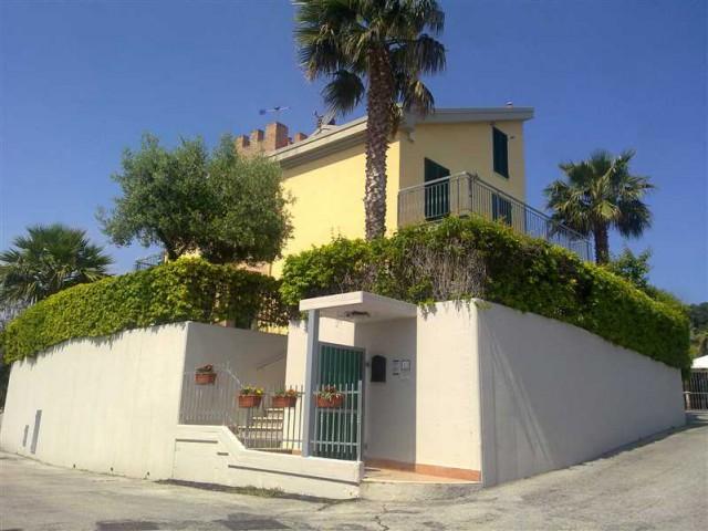 Villa Schiera in Vendita a Grottammare via Speranza Zona Residenziale