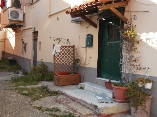 Appartamento in Vendita a Genova via Gianelli Quinto