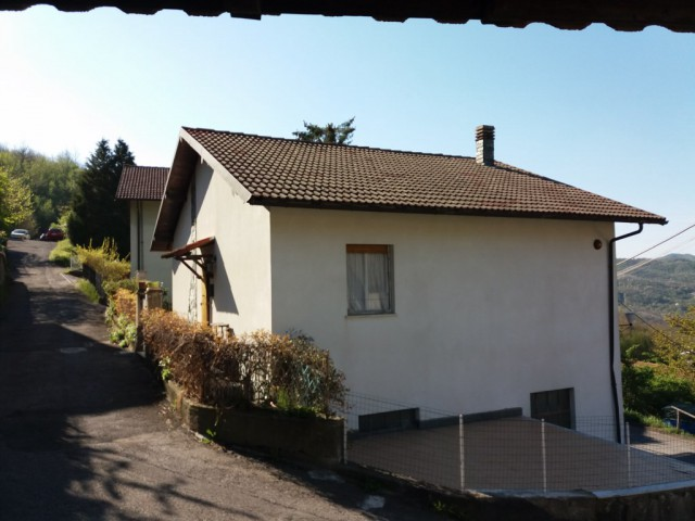 Casa Indipendente in Affitto a Valbrevenna Nenno