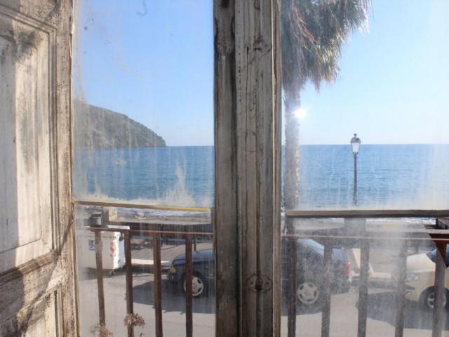 Indipendente in Vendita a Lipari via Francesco Crispi