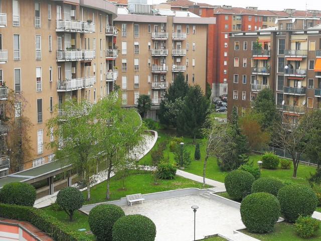 Appartamento in Vendita a Milano via b D
