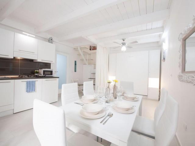 Appartamento in Vendita a Napoli via Oronzio Costa Centro Storico