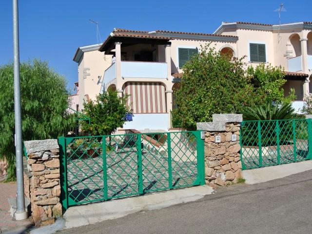 Villa in Vendita a Budoni via Dora Baltea 10, Limpiddu