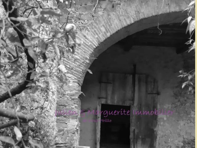 Edificio Stabile Palazzo in Vendita a Lucca Provincia di Lucca 150 m s l m