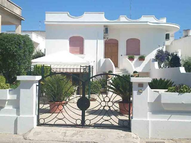 Vacanza in villa o villino a castrignano del capo via padova santa maria di leuca foto1-108215161