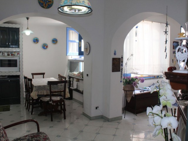 Appartamento in Vendita a Lipari via f Crispi Canneto Canneto