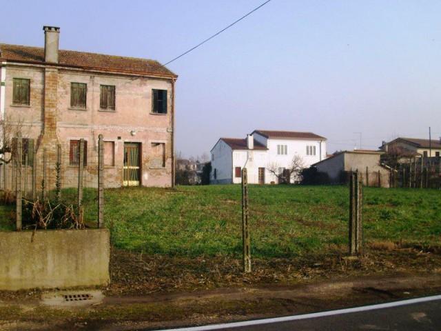 Rustico Casale Corte in Vendita a Villa Bartolomea