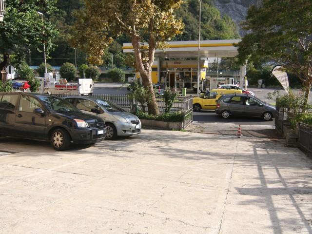 Deposito Magazzino in Affitto a Genova via Molassana, Molassana