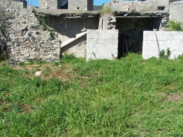 Baita Chalet Trullo in Vendita a Lipari via Quattropani 98055 Lipari Me, Quattropani