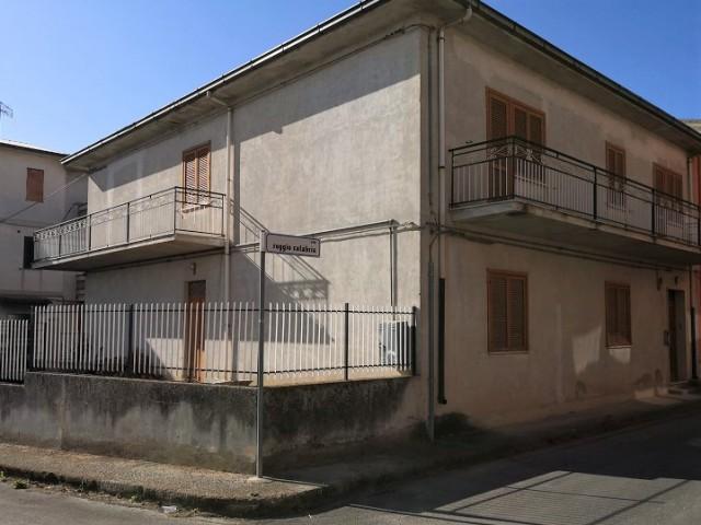 Indipendente in Vendita a Cassano All'ionio via Reggio Calabria Lauropoli