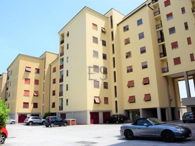Appartamento in Vendita a Frosinone Viale Parigi 11, Cavoni
