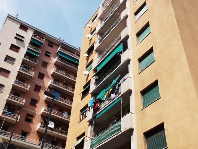 Appartamento in Vendita a Genova via Robino, Marassi