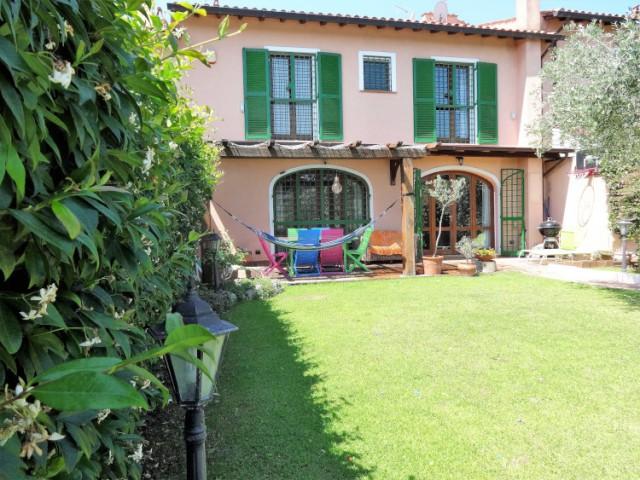 Villa in Vendita a Formello Viale India, Formello le Rughe