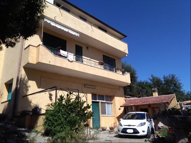 Appartamento in Vendita a Cesano di Roma Vicolo del Santo, Cesano di Roma