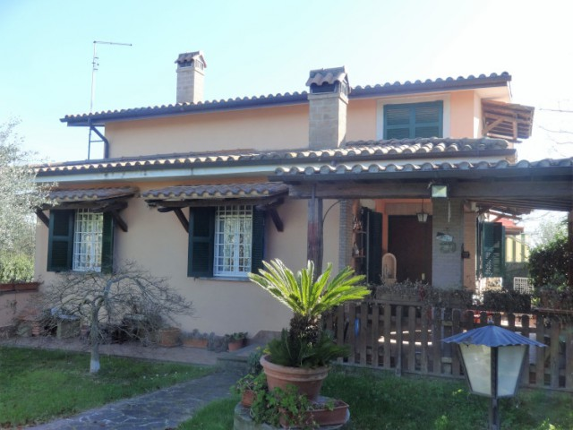 Villa o Villino in Vendita a Formello Appena Sopra il Centro del Paese