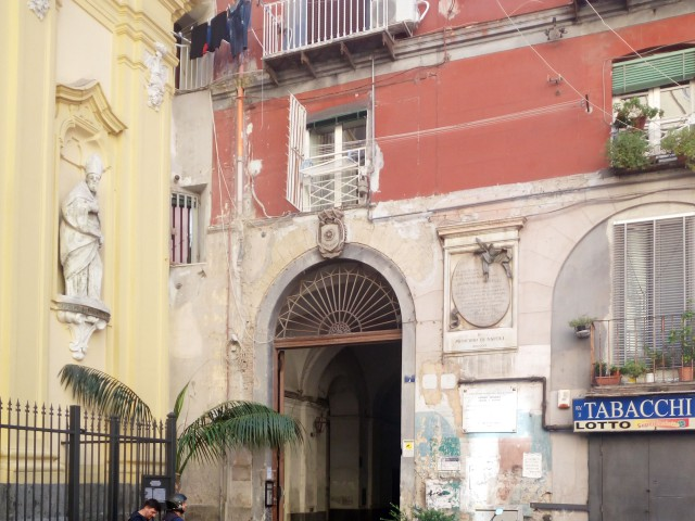 Appartamento in Affitto a Napoli Piazzetta San Carlo Alle Mortelle Montecalvario