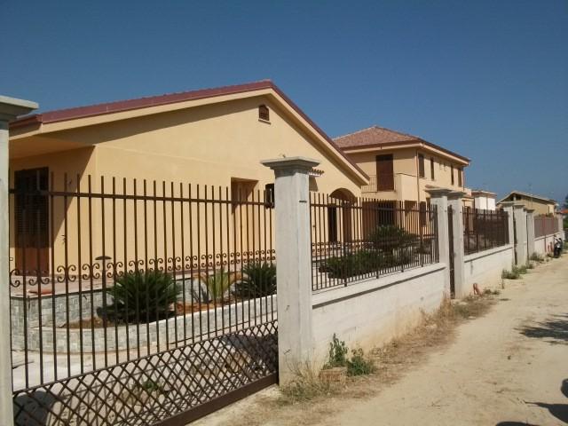 Villa in Vendita a Carini via Ferdinando Magellano 104, Jhonny Walker