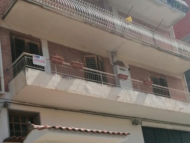 Appartamento in Vendita a Bronte via Sirena n 51 Semi Centrale