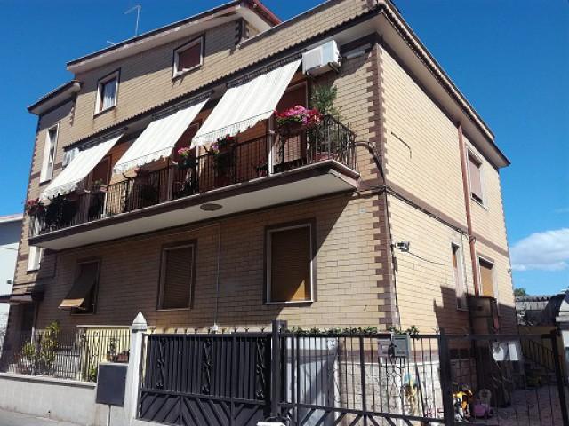 Appartamento in Vendita a Tivoli Strada Dei Laghi 1 Tivoli Terme (lotti Antonelli)