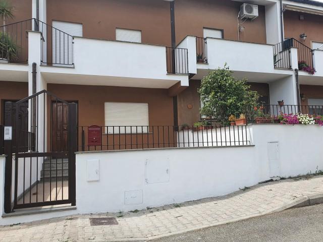 Villa Schiera in Vendita a Celleno via Don Daniele Pacetti 5 f