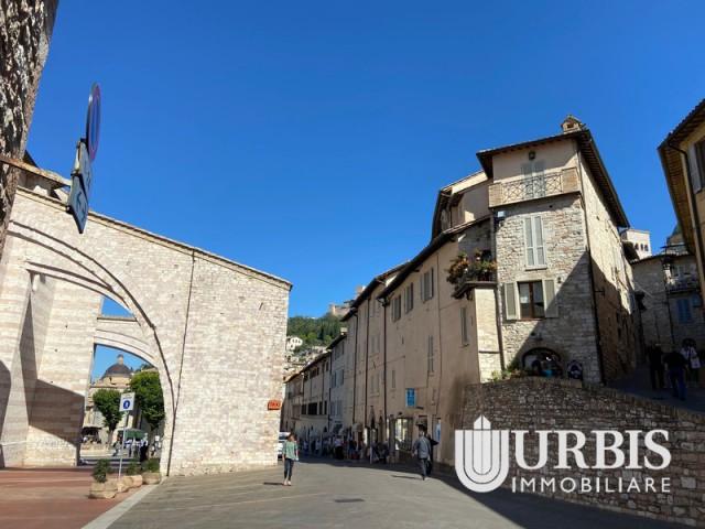Appartamento in Affitto ad Assisi Piazza Santa Chiara Assisi