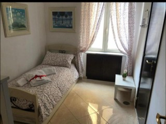 Posto Letto in Affitto a Napoli via Collenuccio Materdei