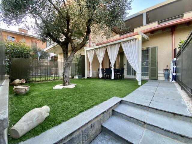 Appartamento in Vendita a Padenghe sul Garda via Bertanigra Centro
