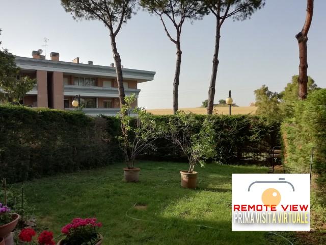 Appartamento in Vendita a Roma Via Massimo Grillandi 30