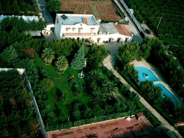 Albergo Hotel in Vendita a Turi Contrada Delle Monache Periferia