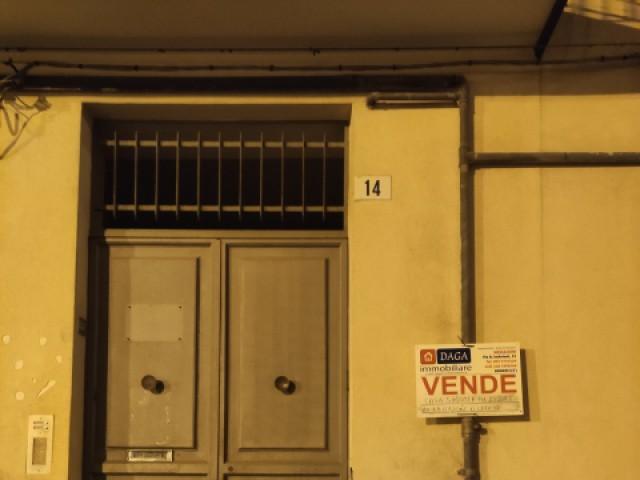 Indipendente in Vendita a Bronte Piazza on Vincenzo Saitta 15 Centrale