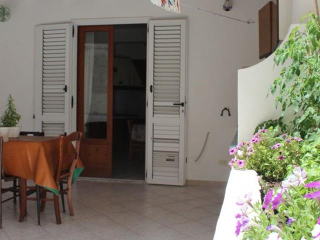 Appartamento in Affitto a Lipari via Cesare Battisti Canneto