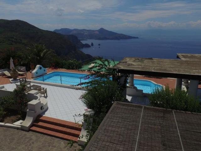 Villa Singola in Vendita a Lipari via Belvedere Quattrocchi 98055 Lipari me Pianoconte