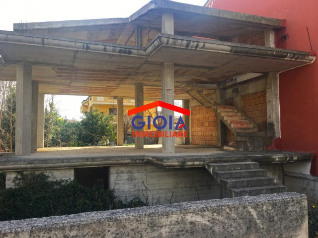 Villa in Vendita a Mondragone via Salvo D