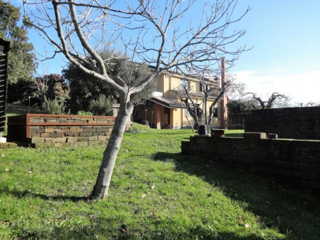 Villa Bifamiliare in Vendita a Formello Via delle Ghiande