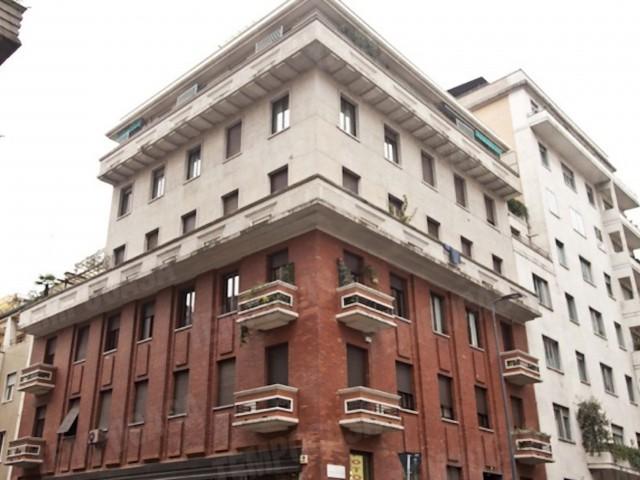 Edificio Stabile Palazzo in Affitto a Milano via Raza 2 Zona Venezia Piave Buenos Aires
