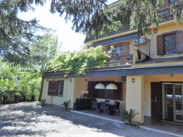 Villa in Vendita a Formello via Castel de Ceveri Residence Castel de Ceveri