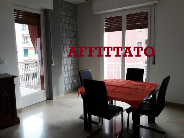 Appartamento in Affitto a Milano via Carlo Armellini 25 Affori p Rossi
