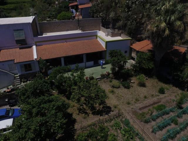 Villa Bifamiliare in Vendita a Lipari via Stradale Pianoconte Pianoconte