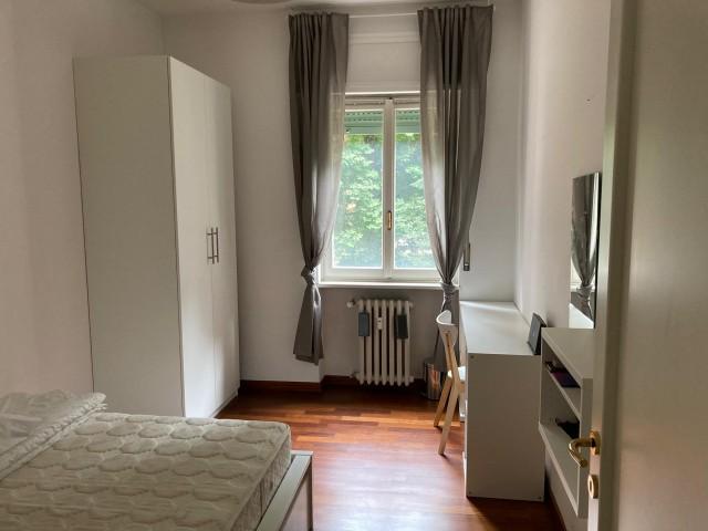 Appartamento in Affitto a Milano via Francesco Primaticcio 86 Lorenteggio