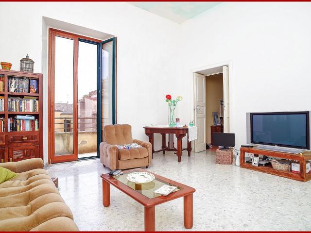 Appartamento in Affitto a Locri via Duca del Mare