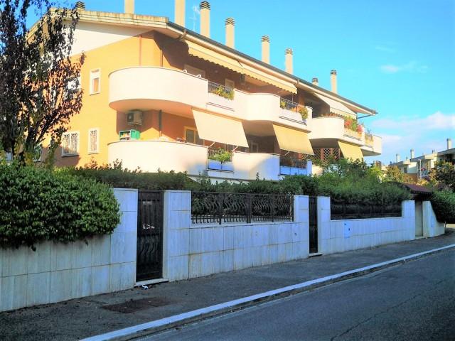 Appartamento in Vendita a Roma Via Fulvio Bernardini
