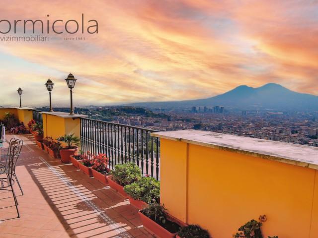 Appartamento in Vendita a Napoli via Bernardo Cavallino