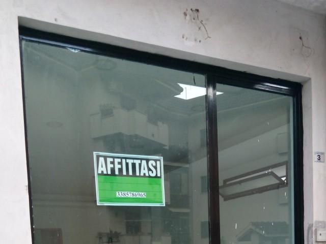 Negozio in Affitto a Casagiove via Roma n 03 Casagiove