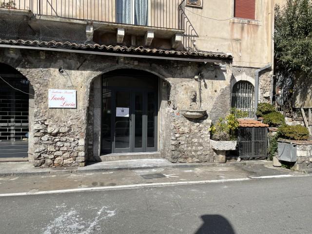 Locale Commerciale in Affitto a Taormina via Dietro Cappuccini 8 Centro Storico