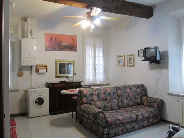 Appartamento in Affitto a Ferrara via s Romano 107 Centro Storico