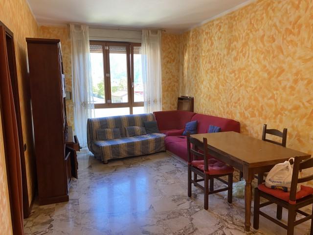 Appartamento in Affitto a Maslianico Semi Centrale